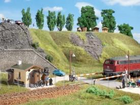 Auhagen 11345 Железнодорожный переезд с шлагбаумом