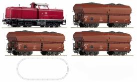 ROCO 51268A BR 212 с тремя грузовыми вагонами